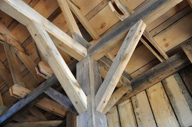 Firman acuerdo para construir casa de madera y crear miles de ...